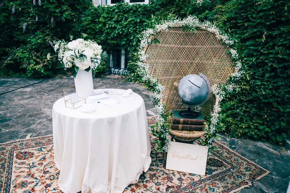 ruban collectif photographe landes france pays basque papeterie mariage fleuriste aquitaine wedding photography white flowers decoration mariage boheme chic personnalise an lalemant photography wedding planner chaise emmanuelle