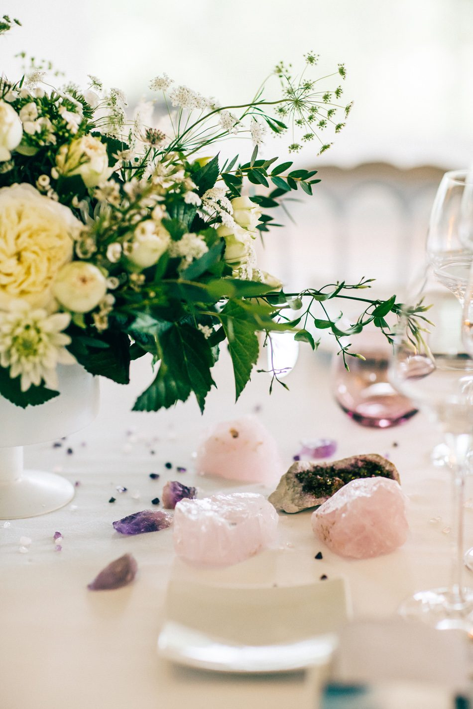ruban collectif photographe landes france pays basque papeterie mariage fleuriste aquitaine wedding photography white flowers decoration mariage precious stones