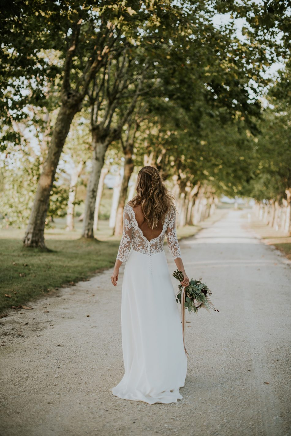 Bouquet de la marié et coiffure tendance