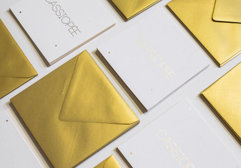 enveloppe doré et doublure interieure