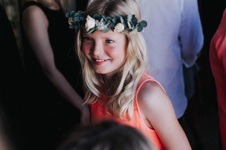couronne de fleurs mariage petite fille