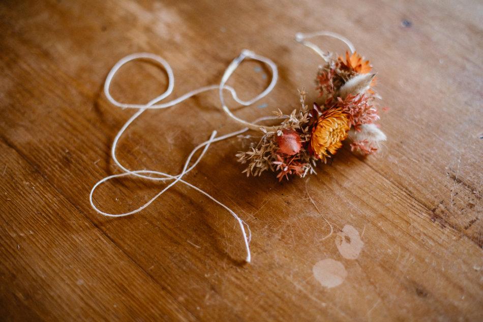 petites couronnes de fleurs en fleurs sechées pour petite fille