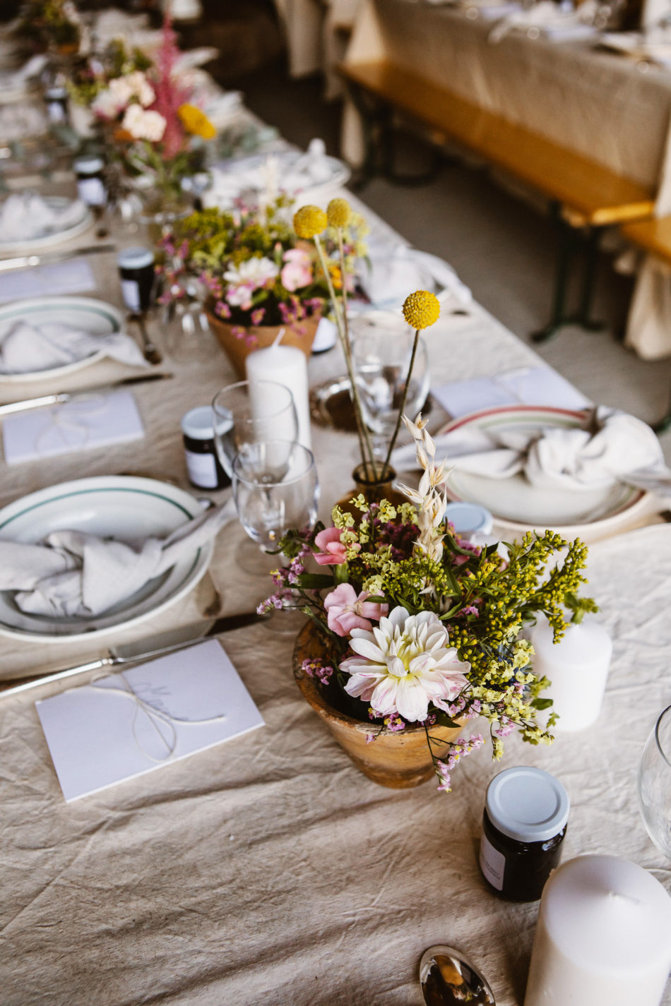 folk wedding pampa flowers