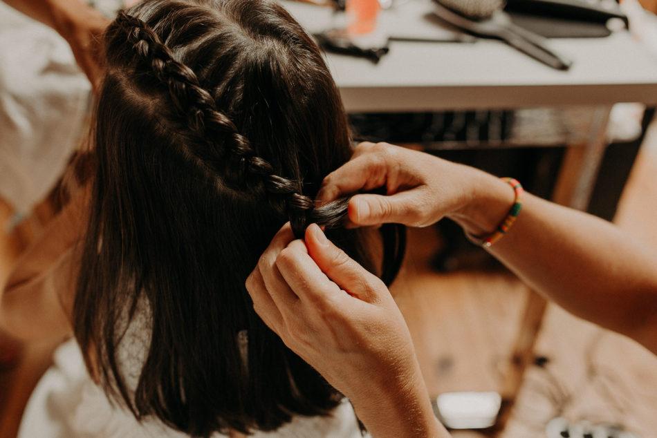 coiffure mariage tresse petite demoiselle d'honneur