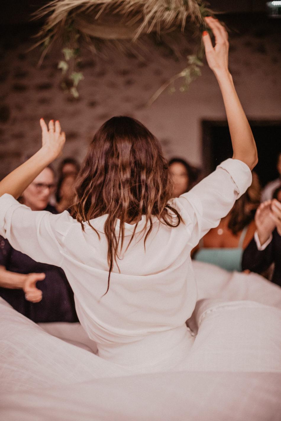 mariée qui dance