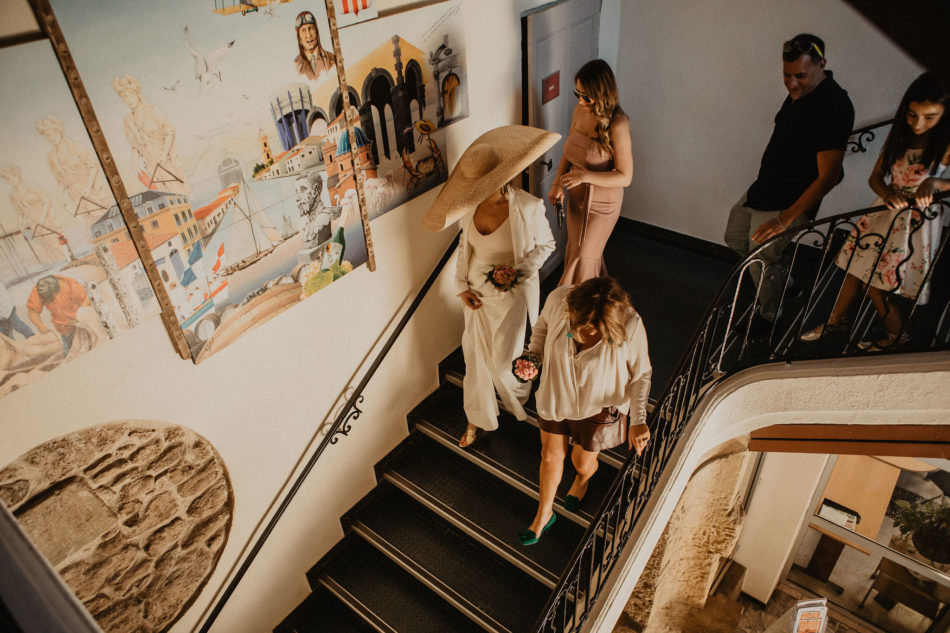 descente d'escalier de la mariée
