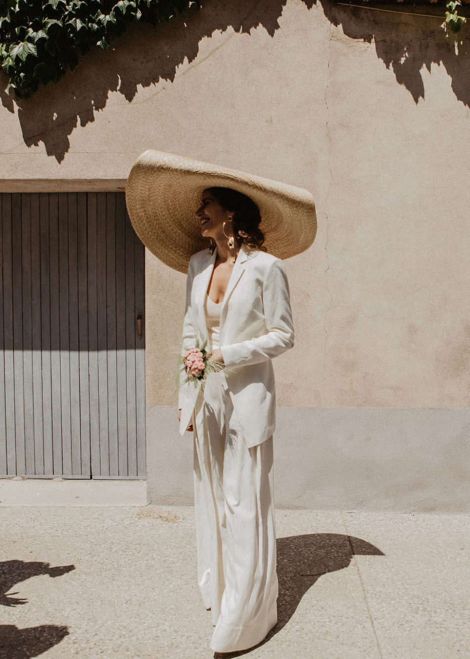cool and moderne jacquemus bride