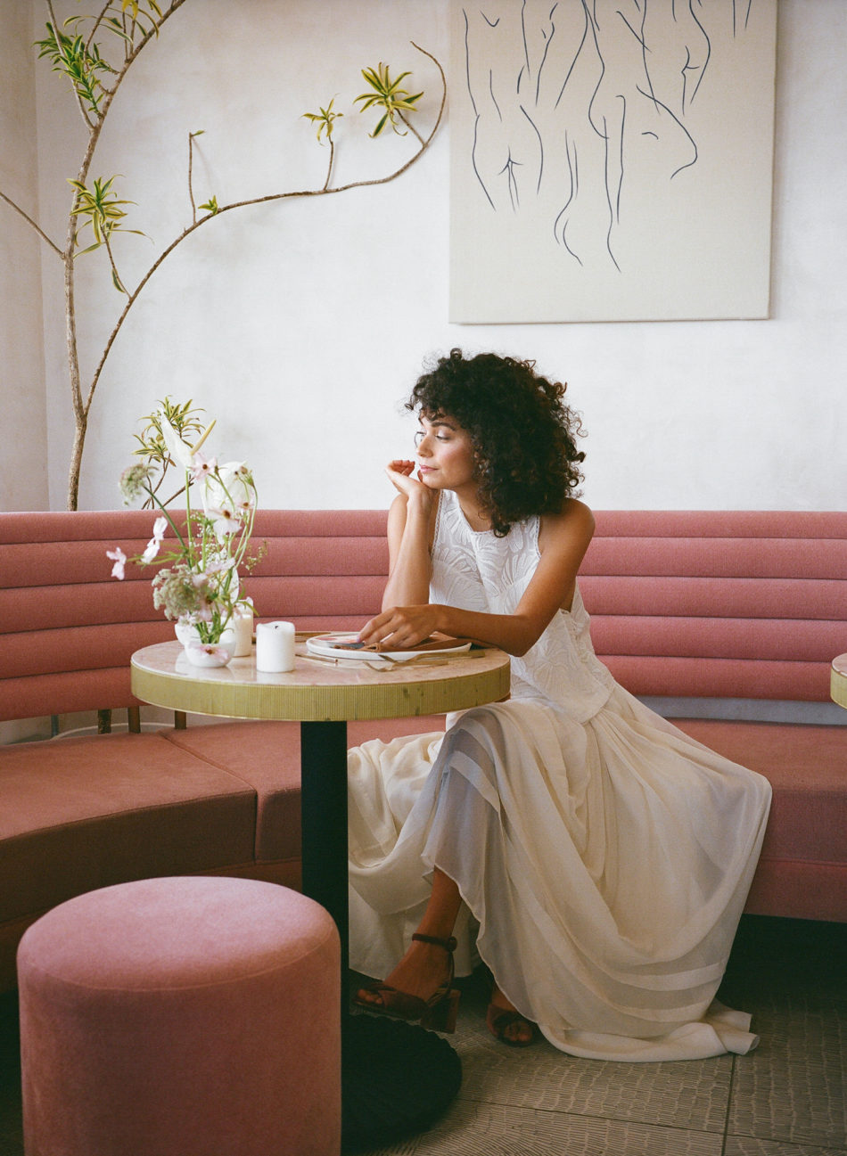 Photoshoot inspiration mariage moderne et simple, restaurant, california