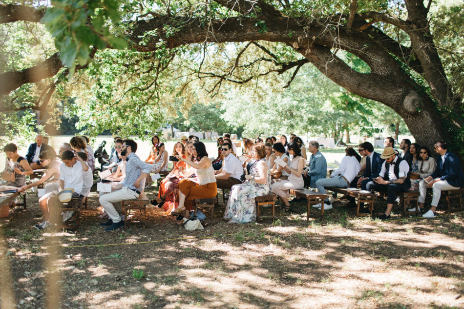 un mariage simple authentique, exemple de ceremonie laique en plein air