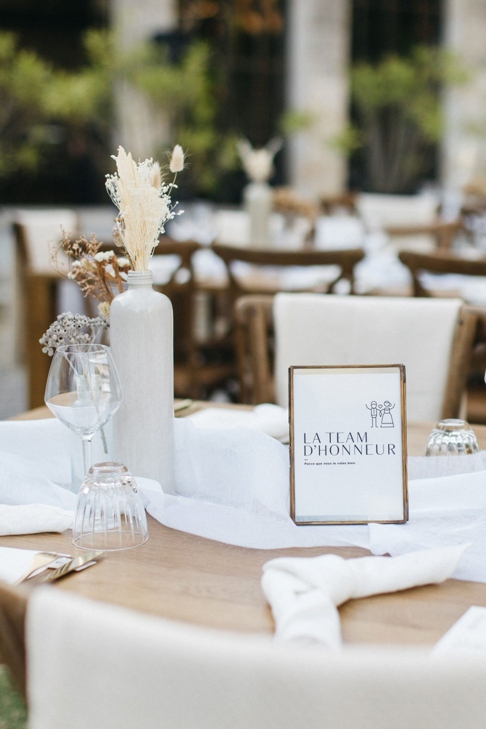 un mariage simple authentique, deco de table mariage blanc