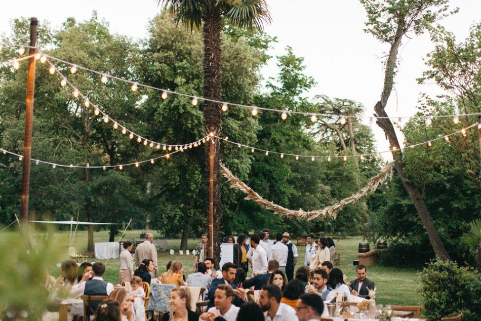 un mariage simple authentique, idée lumiere guinguette jolie et simple